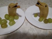 Праздничное украшение - дельфинчики