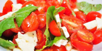 Салат с томатами и брынзой